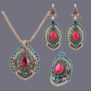 Beautiful Antique Indian Fashion Jewelry Set NWT